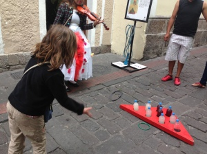 Playing games on la Ronda